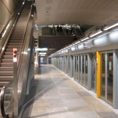 1200px-Metro_Torino_station_Fermi