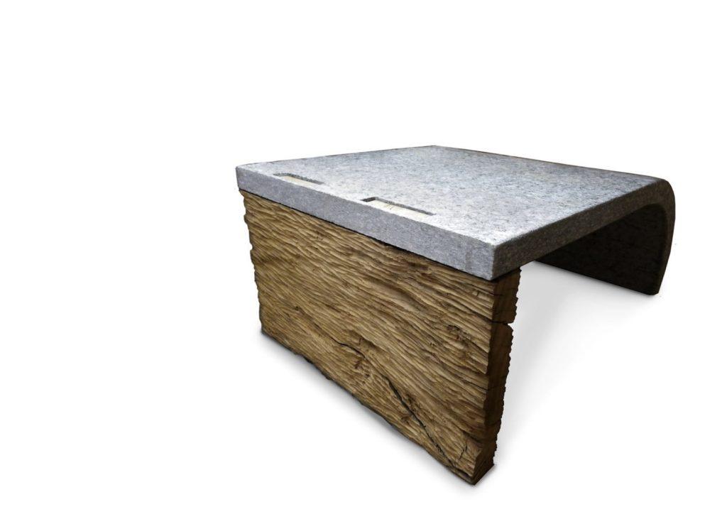 Tavolino in pietra di Luserna e legno