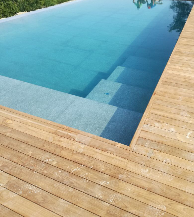 Rivestimento piscina in pietra di Luserna
