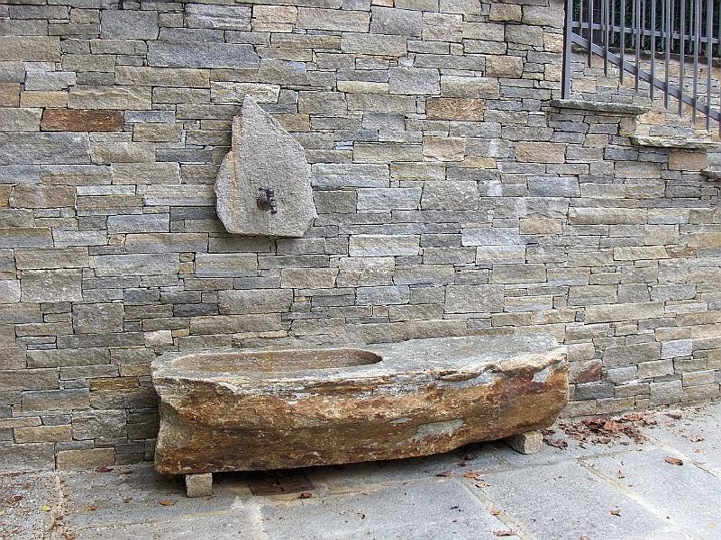 Fontana scavata